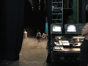 A mesa de comandos do lado do palco, aonde a mágica acontece.